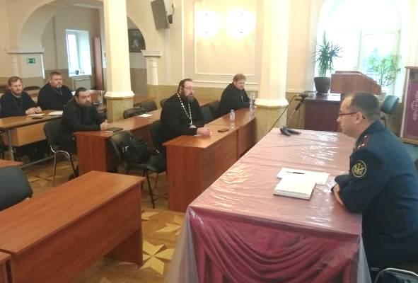 Начальник психологической службы УФСИН выступил в Костромской духовной семинарии